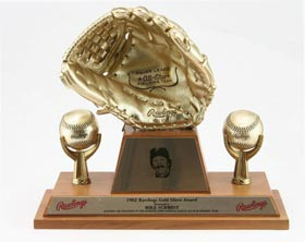 Mike Schmidt 1982 Baseball Rawlings Gold Glove Award
